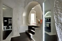 Residential: Lighting to show off architecture