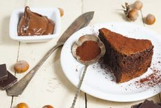 Αφράτο, σοκολατένιο κέικ «κόλαση» με μόνο 2 υλικά -Η πανεύκολη και πεντανόστιμη συνταγή που έγινε viral Mousse, Nutella Cake, Tiramisu, French Toast, Deserts, Pudding, Pasta, Baking, Breakfast