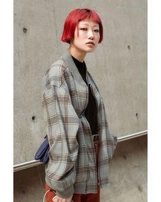 """ถูกใจ 11 คน, ความคิดเห็น 1 รายการ - 📷 Je2di (@je2difilm) บน Instagram: """"2017 F/W HERA SeoulFashionWeek . . #SFW #fashionweek #seoulfashionweek #herafashionweek…"""""""