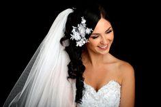 Resultados de la Búsqueda de imágenes de Google de http://www.hairstylestars.com/wp-content/uploads/2012/05/wedding-hairstyles-with-flowers-and-veil.jpg