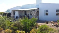 Seeperdjie - Beautifully furnished in a chic-coastal style with beamed ceilings, rough brick walls, and smooth cement floors, Seeperdjie offers self-catering accommodation in the picturesque seaside town of Jacobs .