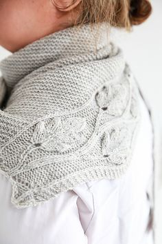 Silver Oak knitting project shared on the LoveKnitting Community. Find this shaw. : Silver Oak knitting project shared on the LoveKnitting Community. Find this shawl pattern and more inspiration at LoveKnitting. Lace Knitting, Knitting Stitches, Knitting Patterns, Point Mousse, Shawl Patterns, How To Purl Knit, Knitted Headband, Garter Stitch, Knitted Shawls