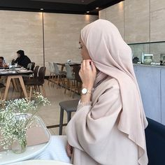 December 11 2019 at fashion-inspo Modest Fashion Hijab, Modern Hijab Fashion, Casual Hijab Outfit, Hijab Fashion Inspiration, Abaya Fashion, Muslim Fashion, Fashion Clothes, Fashion Fashion, Fashion Women