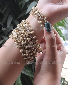 Antique Gold Tone Bangle Set 4 Pc Antique Gold Tone Bangles Studded With Simulated Polki & Faux Pearl Base : High Grade Alloy Metal Indian Jewelry Earrings, Indian Jewelry Sets, Fancy Jewellery, Jewelry Design Earrings, Indian Wedding Jewelry, Hand Jewelry, Stylish Jewelry, Geek Jewelry, Jewellery Designs