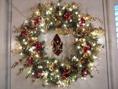 Fleur-de-lis wreath