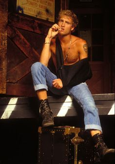 Alice in Chains – 624 photos Layne Staley, Tortured Soul, Alice In Chains, Rock Legends, Beautiful Men, Off Shoulder Blouse, Music, Tops, Grunge