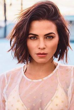 Easy and Beautiful Short Hairstyles for Women You Should Definitely Try ★ See more: http://glaminati.com/short-hairstyles-women/