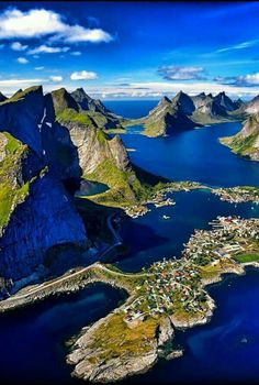 Lofoten, Norway... Norway Travel, Mountains In Italy, Italy Landscape, Norway Landscape, Sicily Travel, Places To See, Places To Travel, Travel Destinations, Lofoten Islands Norway