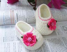 Pink Flower Crochet Baby Booties