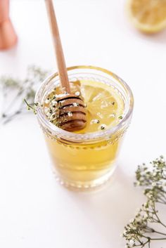 The Spring Buzz: a refreshing cocktail of freshly steeped chamomile tea, whiskey, elderflower liqueur, and honey. Yum!