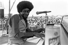 Documentary casts new light on New Orleans ‪#‎NOLA‬ ‪#‎piano‬ genius James Booker @ivoryemperor http://nola.tw/Mg