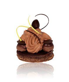 Ladurée - Le Saint Honoré Chocolat Yuzu