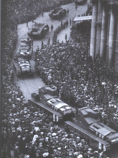 British Tanks roll through Dublin during the Irish Civil War. Most likely taken at College Green with the Bank of Ireland building on the right. Ireland 1916, Dublin Ireland, Irish Independence, Ww1 Tanks, Diesel, Irish Eyes Are Smiling, Photo Engraving, Ireland Homes, Irish Celtic