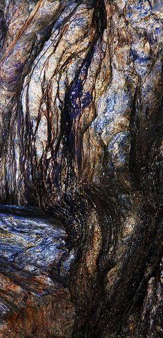 Rock pattern by ellen mikkelsen on Flickr https://www.flickr.com/photos/ellenmikkelsen/