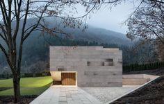 Visually Provoking Modern Retreat in Bulgaria: Slight Slope Long House - http://freshome.com/visually-provoking-modern-retreat-in-bulgaria-slight-slope-long-house/