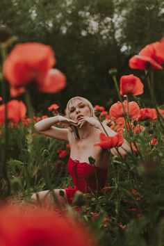 Shot some fun portraits in the red poppy fields of Mantua, Utah this summer! Poppy Photography, Spring Photography, Monochrome Photography, Creative Photography, Portrait Photography, Photography Tutorials, Digital Photography, Photography Tips, Portrait Fotografie Inspiration