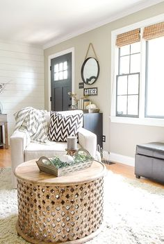 Simple and neutral modern farmhouse fall home tour.