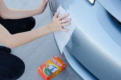 Did you know dryer sheets can make your life easier well beyond the laundry room? Check out the best dryer sheet hacks out there. Car Cleaning Hacks, Car Hacks, Deep Cleaning, Cleaning Products, Cleaning Checklist, Cleaning Solutions, Spring Cleaning, Cleaning Schedules, Soy Products