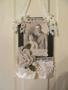 A beautiful frame for an old photo! @Etsy #craftparty #FHTCraftParty