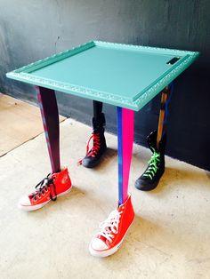 O designer Diego Andrez decidiu calçar a sua mesa porque ninguém merece ter que ficar descalço nesse inverno. Confira essa promoção no nosso novo site: http://www.marcheartdevie.com.br/shop/br/mesas-laterais/11415-Mesa-Lateral-Quadro-Tenis-Azul-Turquesa-054x62h.html #marcheartdevie #design #objetosdedecoracao #ecommerce #lojavirtual #mesa #tenis #calcado #diegoandrez