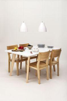 Mesa Stick con sillas Mina - Unimate www.unimate.com.ar