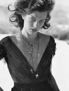 Vogue Italia October 2005 An Imaginary Land Milla Jovovich photographed by Peter Lindbergh and styled by Nicoletta Santoro Scans by Kanna @ tfs Peter Lindbergh, Milla Jovovich, Ukraine, Photo Star, Beautiful People, Beautiful Women, Zeina, Sign Of The Cross, Vogue