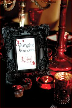 Halloween: Vampire Party Desserts and Food Ideas . Halloween: Vampire Party Desserts and Food Ideas. Here's a Halloween theme you can really sink your teeth Vampire Theme Party, Vampire Halloween Party, Table Halloween, Scary Halloween Food, Vampire Wedding, Halloween Table Decorations, Halloween Party Themes, Halloween Diy, Gothic Wedding