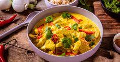 Kylling og karri er en smakfull kombinasjon. Her er en enkel og god oppskrift på den velkjente indiske kyllingretten. Perfekt hverdagsmiddag for hele familien.