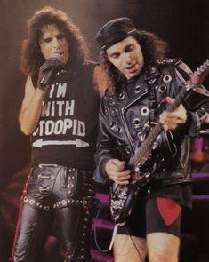 Alice Cooper n Joe Satriani Alice Cooper, John Petrucci, Joe Satriani, Steve Vai, Best Guitarist, Angus Young, Heavy Metal Bands, Ozzy Osbourne, Best Rock