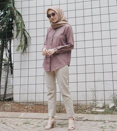 Style Hijab Casual Simple 45 Ideas For 2019 Ootd Hijab, Casual Hijab Outfit, Hijab Chic, Hijab Dress, Dress Casual, Simple Hijab, Modele Hijab, Outfit Look, Hijab Fashion Inspiration