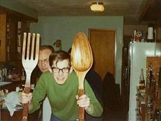 Never make eye contact with Kenny if he asks if he can toss your salad ~ 33 Awkward Funny Family Photos Vintage Party, Retro Vintage, Old Pictures, Old Photos, Vintage Photographs, Vintage Photos, Funny Family Photos, Vintage Magazine, Picture Albums