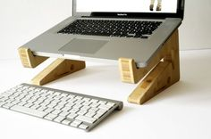 new bamboo puzzle laptopstand van greentunadesign op Etsy