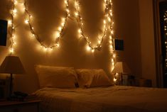 Pretty Bedroom Decor Lights Ideas Fairy Images Wall Decorative For decorative string lights for bedroom - Bedroom Decoration Paper Lanterns Bedroom, Bedroom Decor Lights, Room Lights, Bedroom Lighting, Wall Lights, String Lights Dorm, String Lights In The Bedroom, Christmas Lights In Room, Christmas Bedroom
