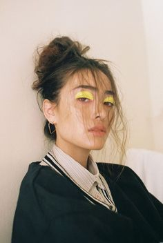 neon yellow eye make up