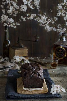 Bizcocho de Chocolate con Café y Brandy de Jerez | Coffee & Brandy Chocolate Cake http://saboresymomentos.es
