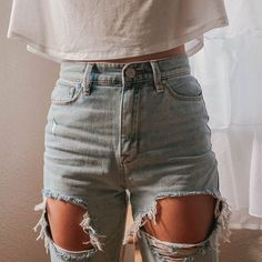 i wonder if i could pull off ripped jeans and not look malnourished