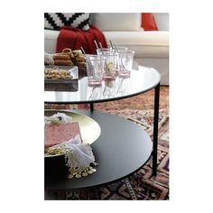VITTSJÖ Tavolino IKEA Il piano tavolo in vetro temprato resiste alle macchie ed è facile da pulire.