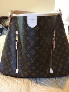 Louis Vuitton Delightful GM Handbag for sale.   A MUST have for all you LV lovers    www.pintrestpurses.shutterfly.com