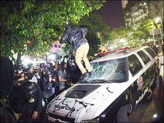 Baderneiros: os defensores do governo Dilma!