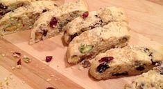 Τραγανά μπισκότα με φυστίκια Αιγίνης και αποξηραμένα φρούτα | Συνταγές - Sintayes.gr Biscotti, Sushi, Cookies, Meat, Chicken, Ethnic Recipes, Food, Crack Crackers, Biscuits
