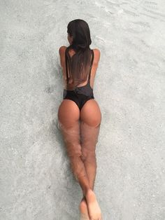 The butt curves..