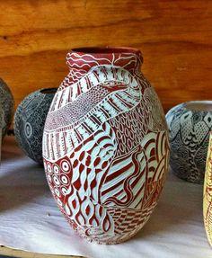 Aboriginal artist – Derrick WanapiJar incised sgraffito vase