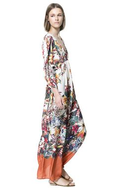 I'm a little infatuated with florals at the moment (LONG PRINTED DRESS from Zara )