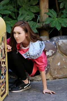 """Jessica Jung filming Chinese Program """"Run for Time""""."""