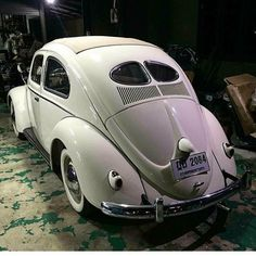 Volkswagen – One Stop Classic Car News & Tips Van Vw, Auto Volkswagen, Kdf Wagen, Vw Classic, Vw Vintage, Vw Beetles, Cool Cars, Bugs, Wheels