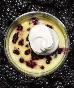 Although budinos are often filled with chocolate, juicy blackberries make this refreshing version more seasonally appropriate. Top with a hefty dollop of whipped cream for a cool and creamy contrast.