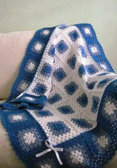 Crochet: GRANDMOTHER SQUARE ♥LCA-MRS♥ with diagram.