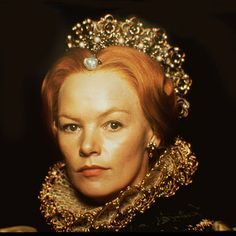"""Glenda Jackson's Virgin Queen in movie """"Mary Queen of Scots' with Vanessa redgrave as Mary."""