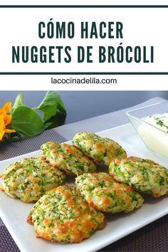 """Nuggets de brócoli. Me encanta el brócoli y no lo puedo remediar. Es algo superior a mi. Me encanta el brócoli gratinado, al horno, a la plancha, en ensalada, tortillas o cremas. Pero esta vez he ido un poco más lejos con mi """"brocolimania"""" y acabo de hacer unas nuggets de brócoli que están de miedo y que estoy segura que os van a gustar tanto como a mí. #brocoli #lacocinadelila Baby Food Recipes, Healthy Dinner Recipes, Healthy Snacks, Vegetarian Recipes, Healthy Eating, Cooking Recipes, Clean Eating, Good Food, Yummy Food"""