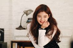 Post with 151 views. Kim Yoo Jung (The Julius Watch shooting Child Actresses, Korean Actresses, Kim Joo Jung, Moonlight Drawn By Clouds, Trending Memes, Kdrama, Long Hair Styles, Female, Celebrities